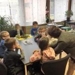 Schulleiterin Frau Bäumler erklärt uns ihre Aufgaben